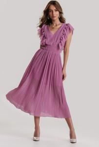 Fioletowa sukienka Renee bez rękawów z dekoltem w kształcie litery v midi