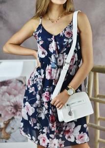 Sukienka Fason na ramiączkach