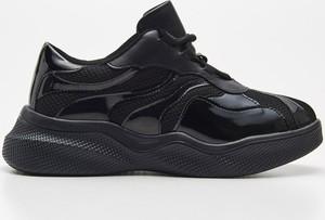 Buty sportowe Cropp z płaską podeszwą sznurowane