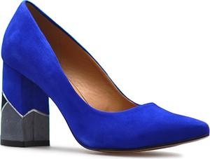 Niebieskie czółenka Laura Messi w stylu klasycznym ze spiczastym noskiem ze skóry
