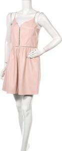 Różowa sukienka ZARA ze skóry