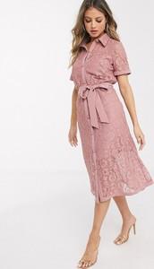 Różowa sukienka Paper Dolls z kołnierzykiem z krótkim rękawem