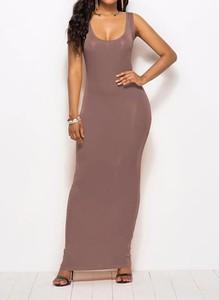 Brązowa sukienka Arilook maxi ołówkowa