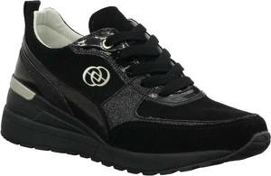 Czarne buty sportowe Jezzi sznurowane