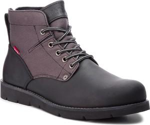 Czarne buty zimowe Levis sznurowane