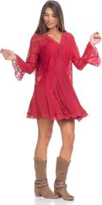Czerwona sukienka Peace & Love z długim rękawem z dekoltem w kształcie litery v