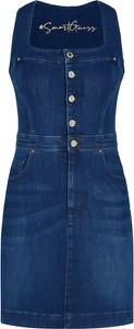 Sukienka Guess z jeansu z krótkim rękawem mini