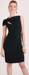 Czarna sukienka Heine dopasowana mini bez rękawów