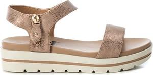 Sandały XTI w stylu casual na platformie