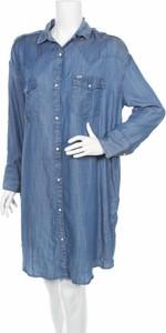 Niebieska sukienka Lee w stylu casual z kołnierzykiem