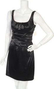 Czarna sukienka B.darlin na ramiączkach mini trapezowa