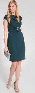 Zielona sukienka QUIOSQUE dopasowana
