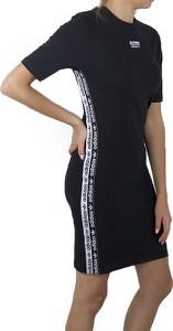 Czarna sukienka Adidas z krótkim rękawem z dzianiny