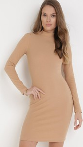 Brązowa sukienka born2be dopasowana w stylu casual mini
