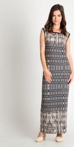 Sukienka QUIOSQUE bez rękawów z okrągłym dekoltem prosta