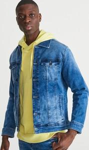 Niebieska kurtka Reserved z jeansu w street stylu