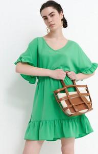 Zielona sukienka House z długim rękawem w stylu casual