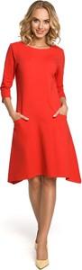Czerwona sukienka MOE trapezowa z okrągłym dekoltem