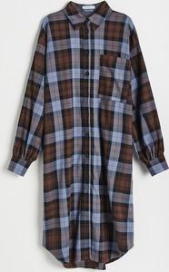 Sukienka Reserved z kołnierzykiem w stylu casual koszulowa