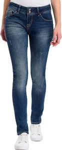Jeansy Cross Jeans w street stylu