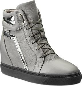Sneakersy Nessi