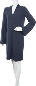 Sukienka Selected Femme w stylu casual z dekoltem w kształcie litery v z długim rękawem