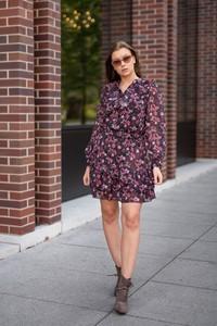 Sukienka Dreskot z szyfonu z dekoltem w kształcie litery v