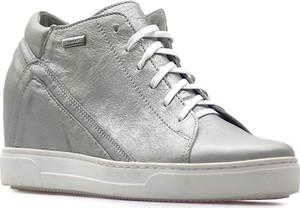 Sneakersy Kiera sznurowane