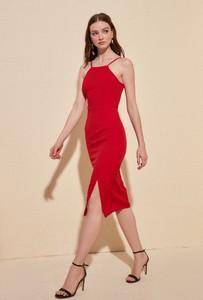 Sukienka Trendyol na ramiączkach midi