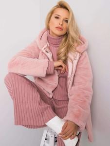 Różowy płaszcz Sheandher.pl w stylu casual