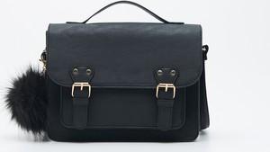 Czarna torebka Sinsay z breloczkiem matowa duża