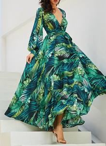 Zielona sukienka Sandbella z długim rękawem maxi z dekoltem w kształcie litery v