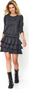 Czarna sukienka Makadamia rozkloszowana z długim rękawem