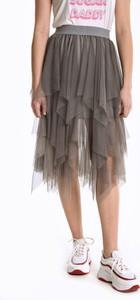 Spódnica Gate z tiulu mini w młodzieżowym stylu