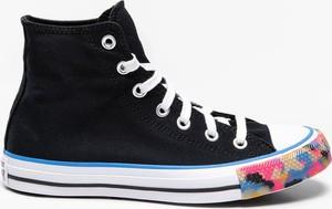 Czarne trampki Converse wysokie w młodzieżowym stylu sznurowane