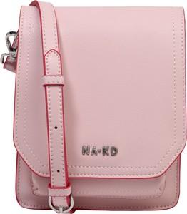 Różowa torebka NA-KD ze skóry średnia