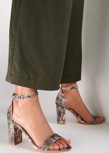 Zielone sandały Renee na wysokim obcasie z klamrami