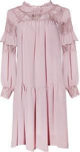 Różowa sukienka TOVA z długim rękawem mini