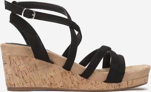 Sandały Multu na koturnie ze skóry z klamrami