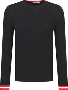 Czarny sweter Calvin Klein z kaszmiru
