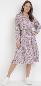 Fioletowa sukienka born2be z długim rękawem midi