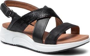 Czarne sandały Caprice w stylu casual