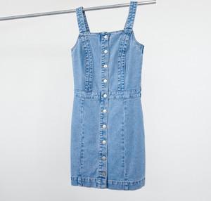 Niebieska sukienka Reserved z jeansu mini