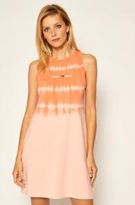 Sukienka Tommy Jeans z okrągłym dekoltem mini