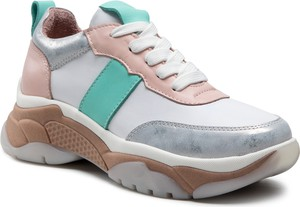 Buty sportowe Badura w sportowym stylu