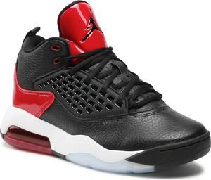 Czarne buty sportowe Nike w sportowym stylu ze skóry