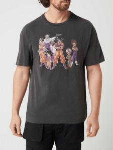 Czarny t-shirt Review w młodzieżowym stylu