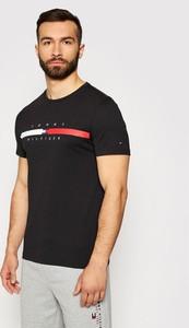 Czarny t-shirt Tommy Hilfiger z krótkim rękawem w młodzieżowym stylu