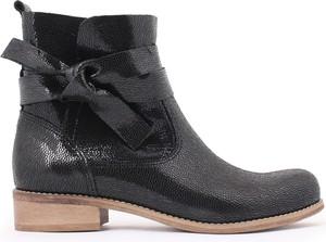 Czarne botki zapato na obcasie ze skóry w stylu casual