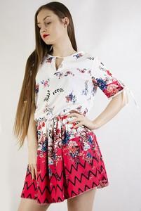 18767c0457 Sukienka Olika mini z okrągłym dekoltem